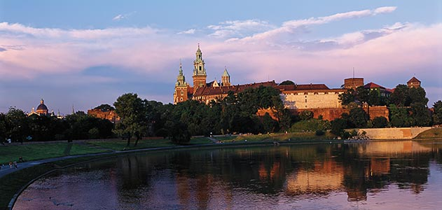 Vistula-river-Wawel-Castle-Krakow-Poland-631